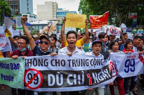demonstration against the vietnamese government's plan to sell their lands to China